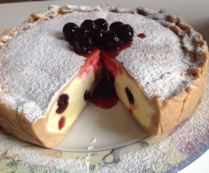 Ricetta Torta semifreddo crema e amarene pubblicata da Polpetta71 - Questa ricetta è nella categoria Dessert e pralineria