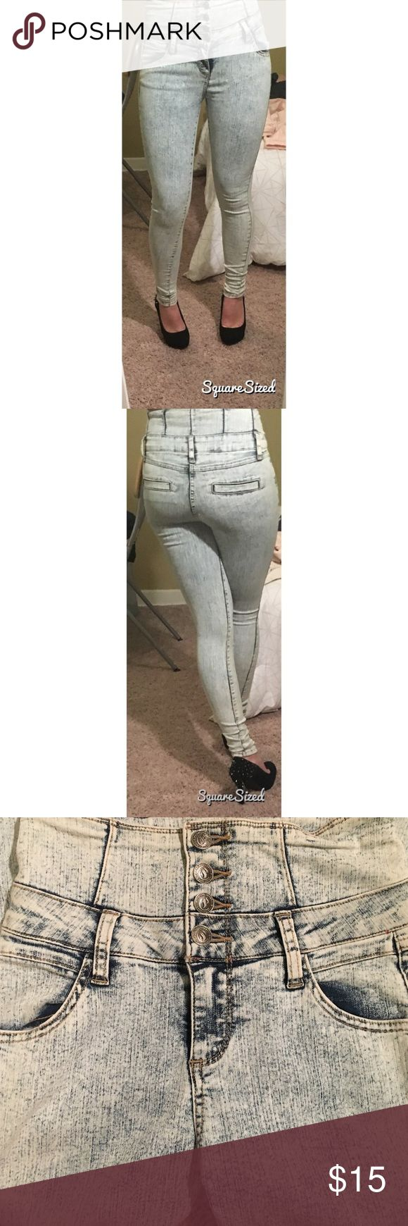 Cello Jeans-acid washed jeans The 80s called and they said their pants loom better on you! These stretch high wasted acid washed jeans will keep you movin' and groovin' all night. Cello Jeans Pants Skinny