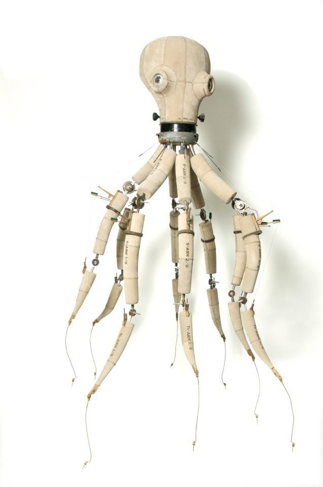 Awesome octopus armature! Looks like it has cables for hand control movements too.