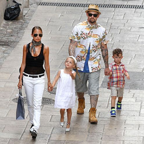 Shady parents Nicole Richie, in aviators, and Joel Madden, in wayfarers, strolled through the gorgeous Saint-Tropez, France, with their kiddies in tow!