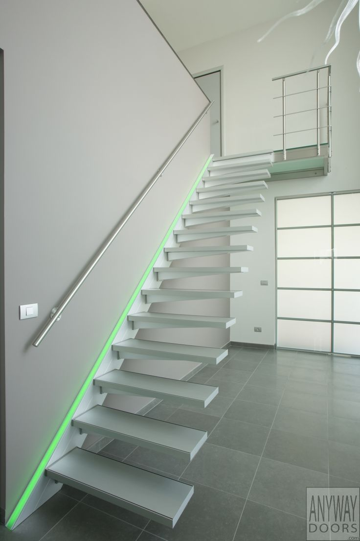 Zwevende trap in aluminium met rgb led verlichting    Led    Pinterest   Stairs, LED and Met