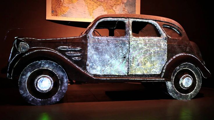 Projection Mapping Toyota AA (1936) Louwman Museum