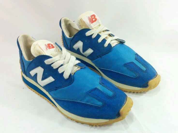 In 1975 Tom Fleming won the New York City Marathon in a pair of 320s. In 1978, the 320 was named number one shoe by Runner's World magazine, and New Balance became a serious contender in the sports footwear industry. | eBay!