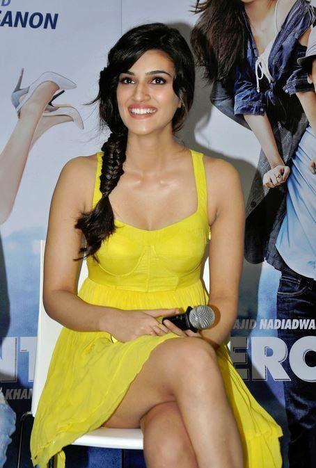 Hot thighs - Kriti sanon -