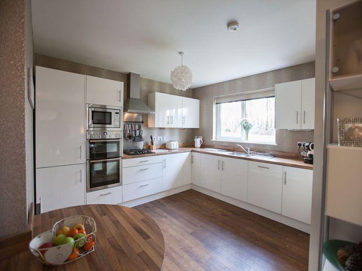 White gloss kitchen - open plan