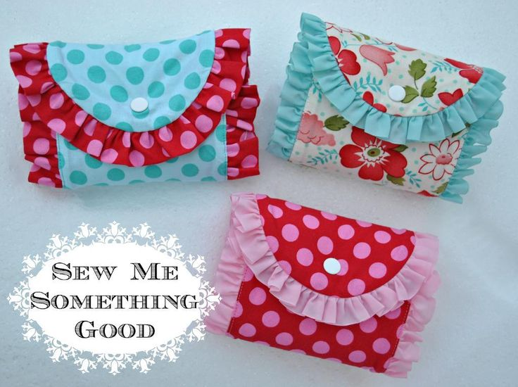 Fold 'n Roll Shopping Bag PDF Sewing Pattern by Sew Katherine + Sewing Ruffles by Bernina!
