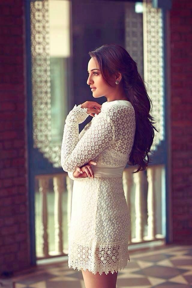 Gleebize : Sonakshi Sinha's New Look - From voluptuous to curvaceous for Filmfare cover photoshoot
