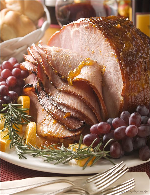 In the Studio: Behind the Scenes – Apricot-Glazed Ham:   Step-by-step In the Studio through the creative process behind this photograph of Apricot Glazed Ham.