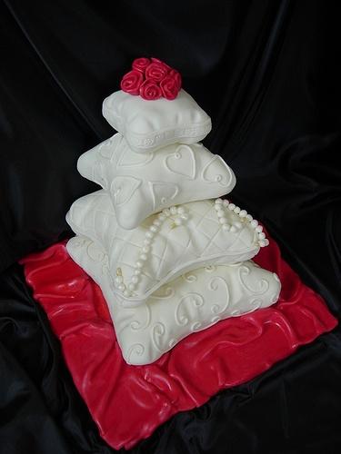 pillow wedding cake by caketasia, via Flickr