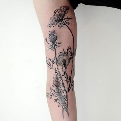 Tatouage fleures noires bras