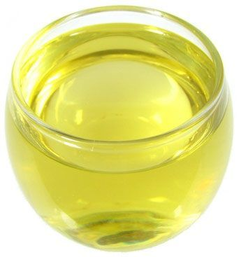 Oil Chart for Skin Types: Reason why certain oils work for some types but not for others is ratio of linoleic acid to oleic acid in chemical composition of oil.