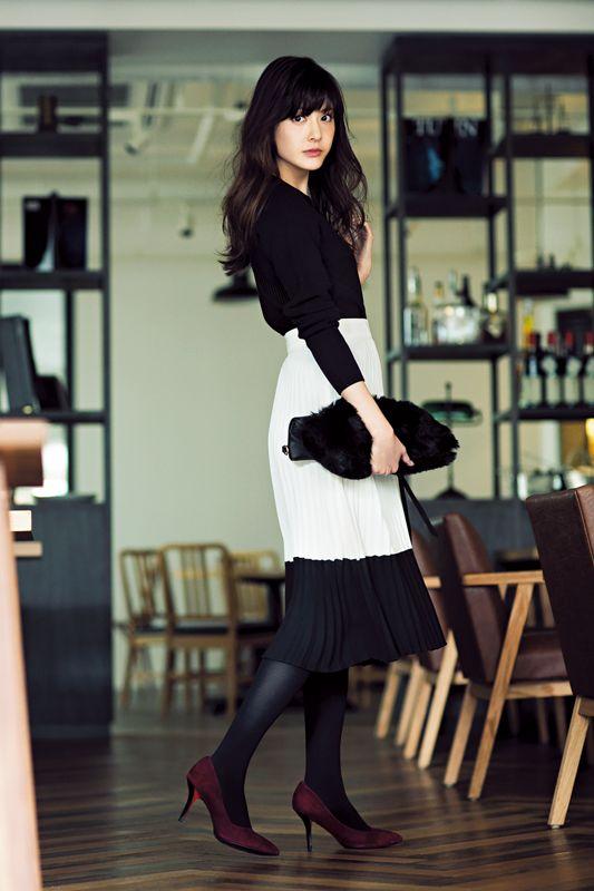 【今日のコーデ/佐藤ありさ】記念日デートの土曜日は色っぽモノトーンで♡. 女性のファッションレディースファッション冬のファッションOl Fashion