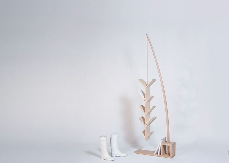 Elegant book rack design by Drugeotlabo