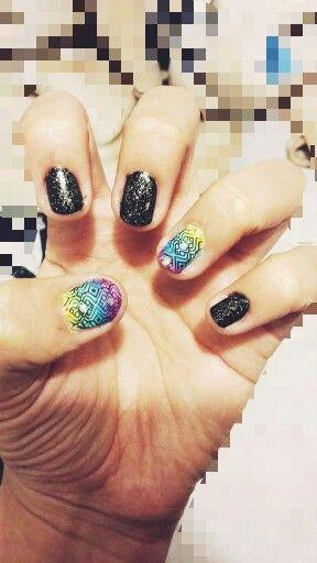 Nail art colores y negro
