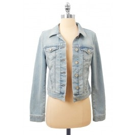 Love the wash on this Denim Jacket! -A must for any Onze girl xx