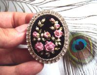 """Gallery.ru / Брошь """"Любимые розы"""" - Броши. """"Цветочные миниатюры"""" - Irina-mist"""