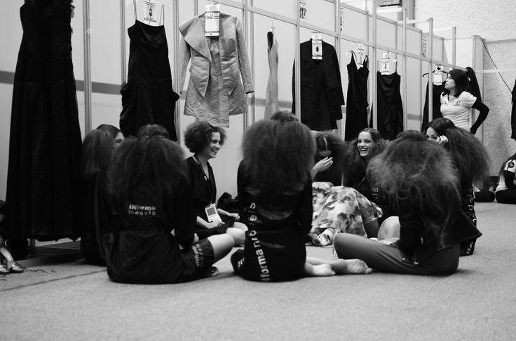 #IM60 Modelos en el backstage de Macario Jimenez PV 2014