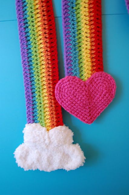 I know a couple of little girls who would love this scarve