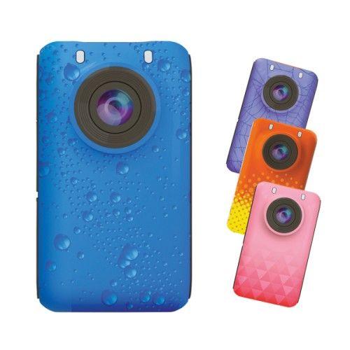 Cette caméra de poche est nomade et tendance. Sa taille et sa légèreté permettent à l'enfant de l'emporter partout avec lui et de filmer avec la vidéo grand angle (155°) ou de prendre en photo tout ce qu'il souhaite. Il peut également la personnaliser en choisissant parmi les coques fournies, selon ses envies.