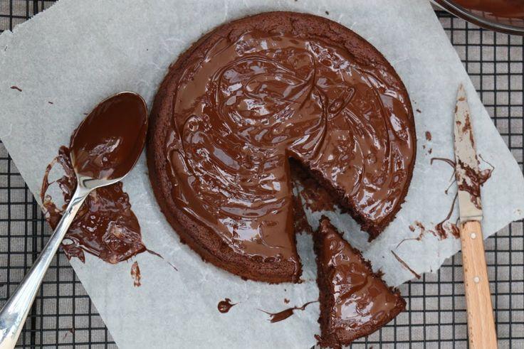 Gâteau au chocolat sans beurre et sans sucre : une tuerie !
