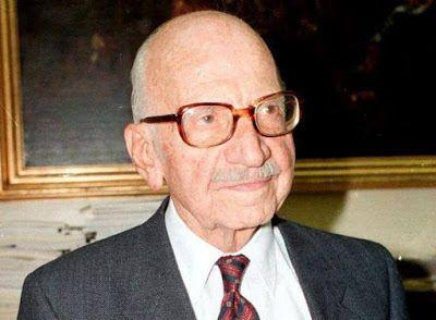 ΟΛΥΜΠΙΑΚΗ ΦΛΟΓΑ: 10 ΙΟΥΝΙΟΥ 2004: Ο πρώην πρωθυπουργός και ακαδημαϊ...