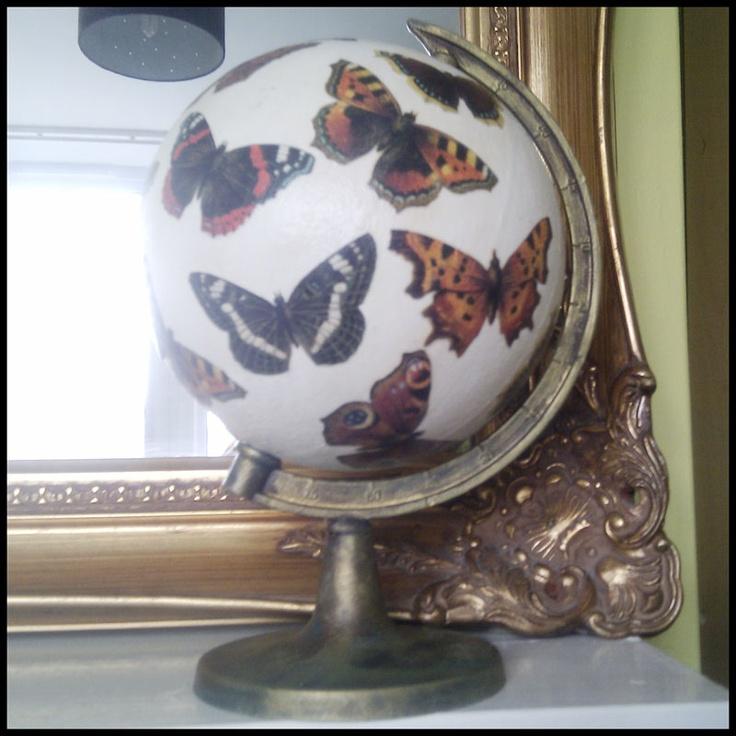Altered globe: Messy Desks, Globes Butterflies, Crafts Ideas, Brag Mondays, Altered Globes, Butterflies Globes, Fairies Llc, Clever Ideas, Graphics Fairies