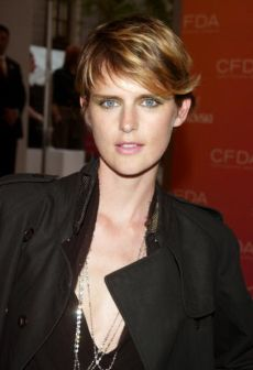 Google Image Result for http://images.glam.com/glampress_de/fashionlaufsteg/artikel_stella_tennant.jpg