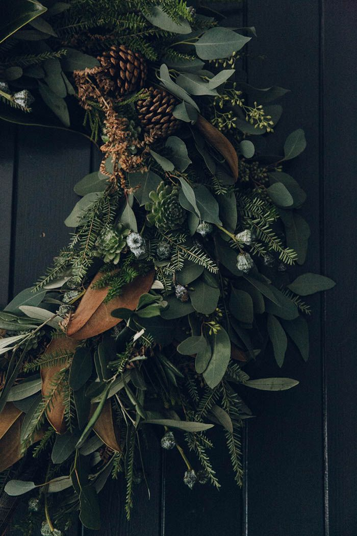 Winter Wreath by Swallows & Damsons at Design*Sponge ~ETS #gorgeouswreath #xmasdecor