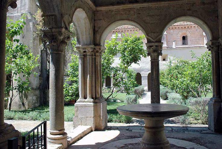 abbey of fossanova sud di roma