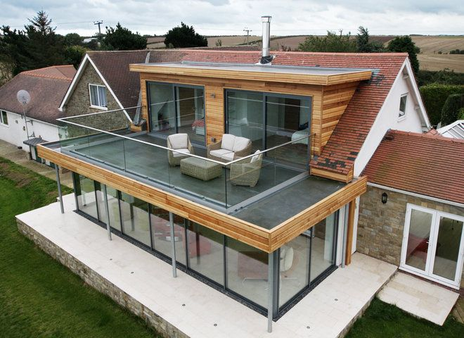 Flat roof extension with balcony google search roof for Flat roof bungalow designs