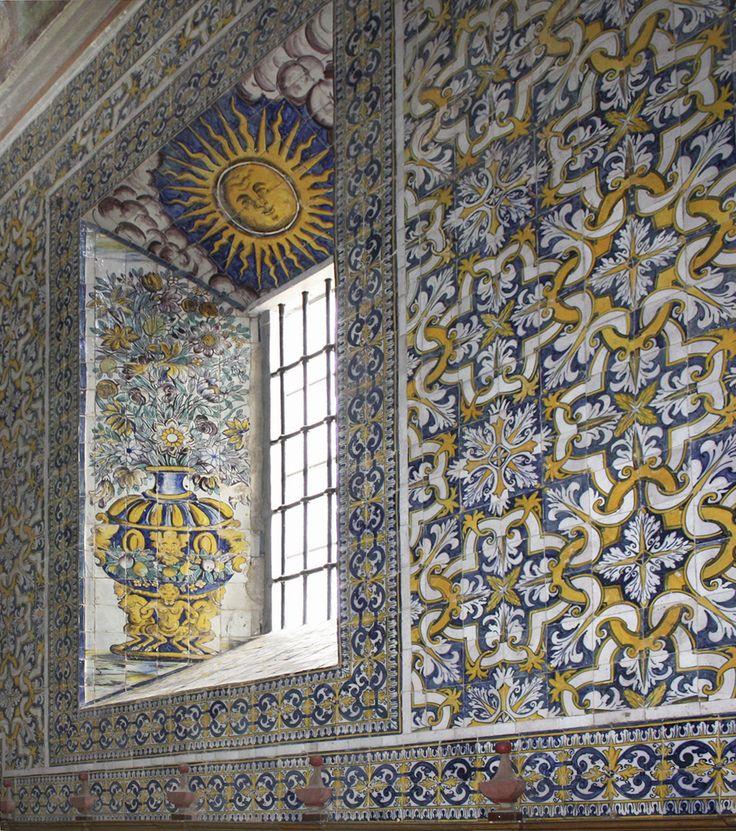Alcáçovas | Igreja do Convento de / Church of the Convent of Nossa Senhora da Esperança | Séc. XVII / 17th century #Azulejo #AzulejoDoMês #AzulejoOfTheMonth #Flores #Flowers #Alcáçovas