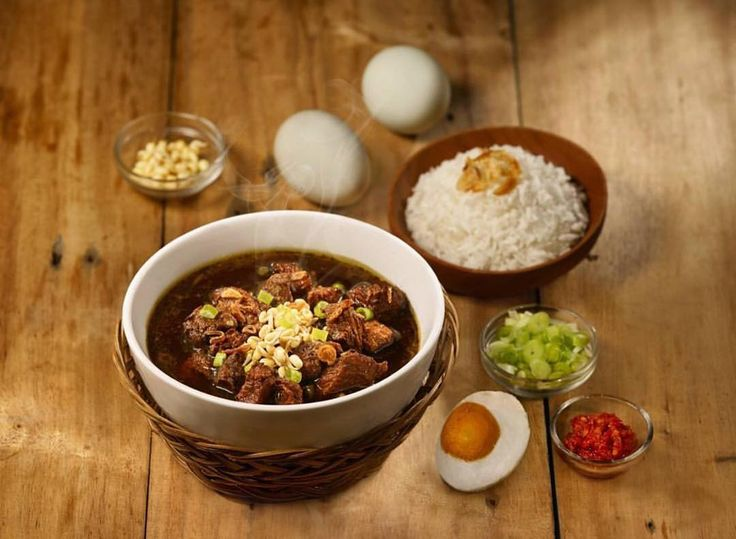 Have a Thursday delight with our Rawon Sapi soup - a strong & rich traditional Indonesian beef black soup that will only make you come back for more!  // rg via @arisrockchef