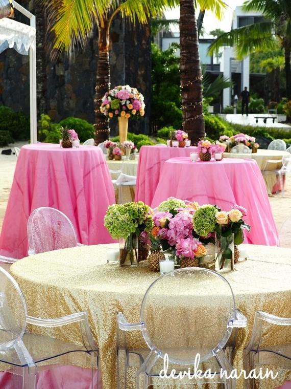Love The Clear Chairs And Shimmery Table Cloth For A Morning Wedding