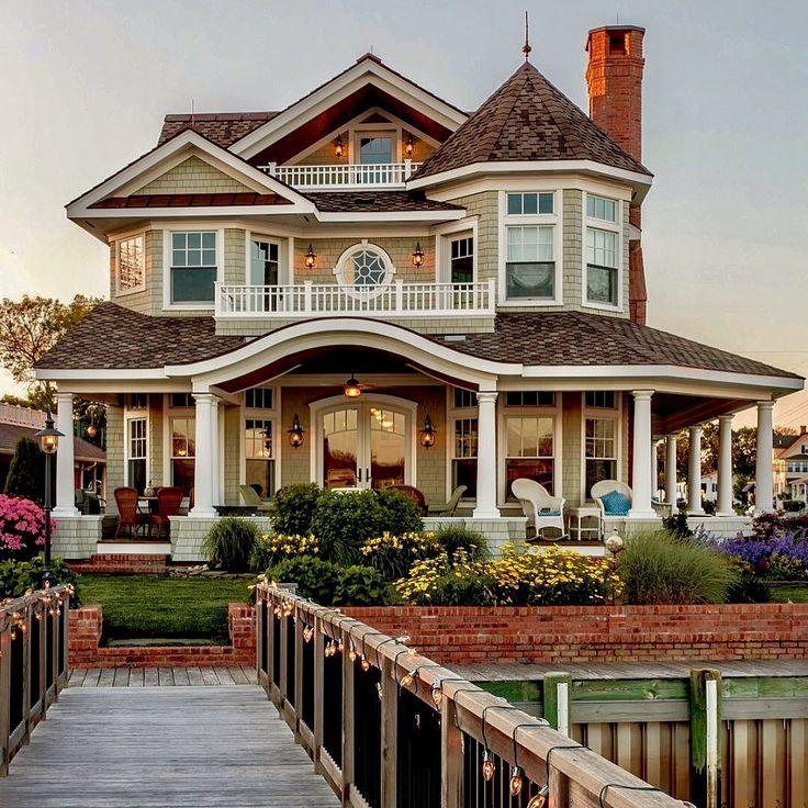 Best 25 home exterior makeover ideas only on pinterest for Planos de casas norteamericanas