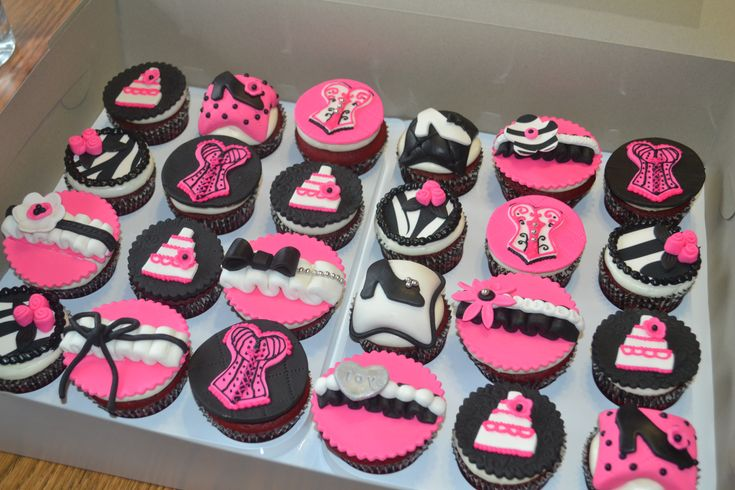 Bachelorette Cupcakes My Cakes And Cupcakes Pinterest