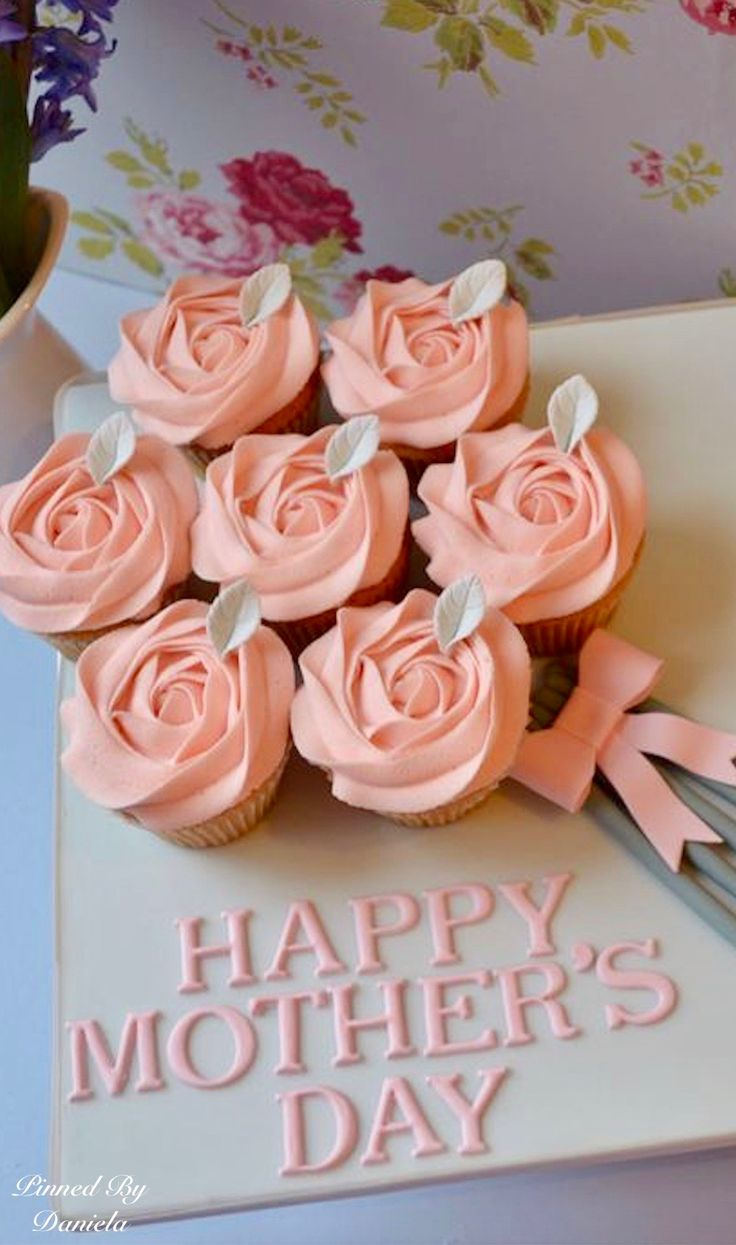 Pretty Cupcake Bouquet for Mother's Day!