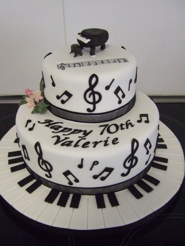 Music Note Cake By: debbiew1 - URL: http://cakecentral.com/gallery/1570910/music-note-cake