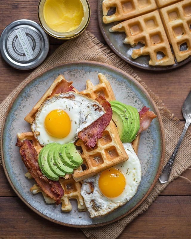 YUMMY RECIPE! Waffles Topped with Bacon Avocado & 2 Fried Eggs   @briewilly  #brunch #brunchtime #waffles #waffleslover #bacon #avocado #friedegg #baconlover #avolover #breakfast #recipe #food #foodtime #foodlover #foodporn #foodies #foodiegram #foodpics #foodphotography #foodgram #instafood #deliciousfood #yahoofood #enjoyfood #yummy #yumyum #gluttony #coolinaria (instalink http://ift.tt/2G0qoE8) by coolinaria.es Food Foods Foodies foodie foodporn foodstagram foodlover foodspotting…