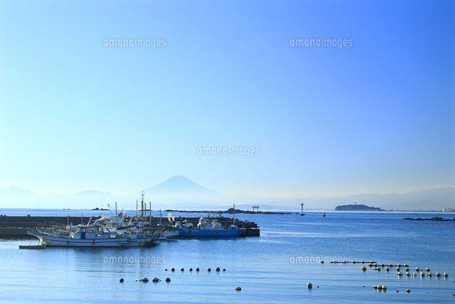 神奈川県,真名瀬漁港から見える富士山 (c)Keiji Kaneda/a.collectionRF