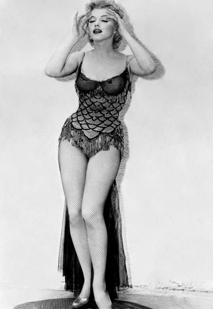Curves!: Buses, Marilyn Monroe, 1956, Google Search, Standard Jeane, Marylin Monroe, People, Bus Stop