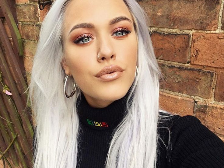 This Photo Of Lottie Tomlinson Caused A Big Argument http://ift.tt/29qgIXe #LookMagazine #Fashion