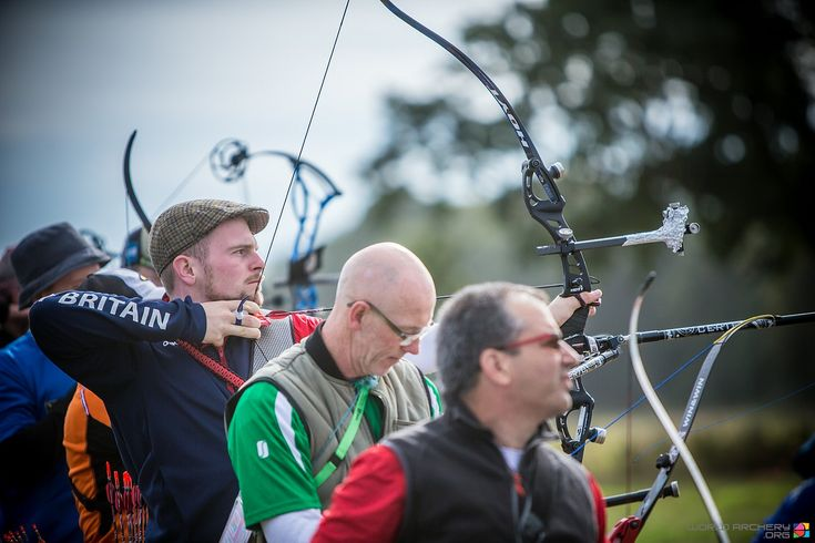 Brits Pitman and Huston 1st junior qualifiers in Dublin