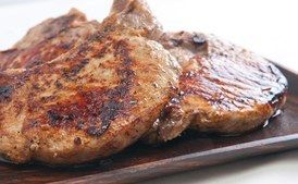 Liked this flavor.  Easy.  Was too spicy for the kids even without the cayenne!    Spice-Rubbed Grilled Pork Chops