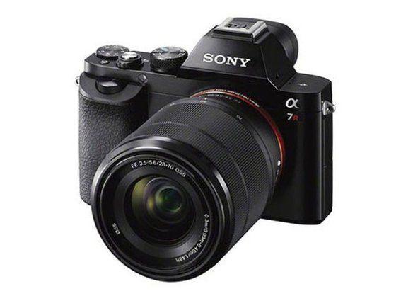 "Sony-a7R-II-Full-Frame-Exmor-R-CMOS Sony a7R II  Αισθητήρας 42.4MP BSI Exmor R CMOS Σύστημα αυτόματης εστίασης 399 σημείων Σύστημα σταθεροποίησης εικόνας 5 αξόνων ISO 100 – 25600 (επέκταση έως 102400) 5fps burst mode Δυνατότητα λήψης 4K video WiFi, NFC Υποδοχές SD/SDHC/SDXC Ηλεκτρονική διόπτρα XGA OLED Ενσωματωμένο flash και υποδοχή για εξωτερικό Οθόνη 3"" TFT LCD (1.228.800dots) Διαστάσεις 126.9 x 95.7 x 60.3 mm Βάρος 625gr"