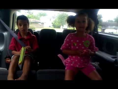 The kidz: Two kids arguing....SQUIRREL!! Super funny video! Much watch!!!!