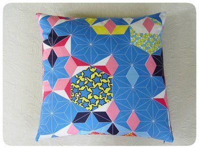 geometrisch kobalt Vlisco Kussenhoes van Studio Zeepsop