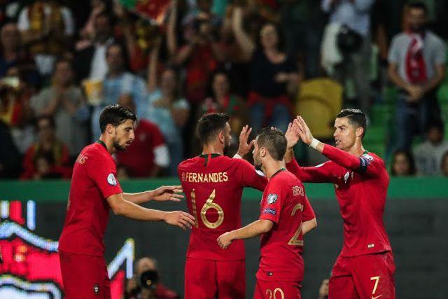 Selecao Nacional De Futebol Portugal 3 Vs Luxemburgo 0 Equipa Das Quinas Reforca O Segundo Lugar Do Grupo B Que Vale Um Lugar Na Fase Final Do Europeu Futebol Futebol Portugal Portugal