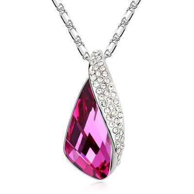 Luxury Design Crystal Necklace $25.00