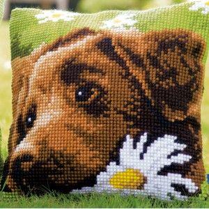 Chocolate Labrador: kruissteekkussen om zelf te borduren