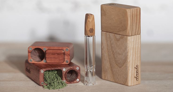 The beautiful handmade luxury wood dugout with glass one hitter pipe by Elevate is an incredible smoking accessory and makes a great gift for tokens, smokers, dads AND grads!